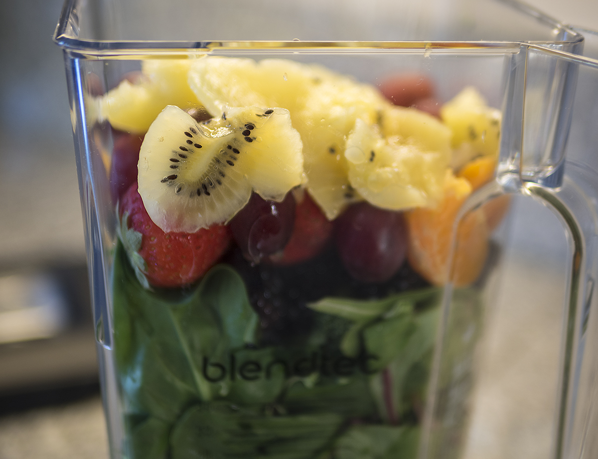 Blendtec, Blend Tec, blender, blender how to, step by step, blender instructions, fruits, fresh fruit, kiwi, oranges