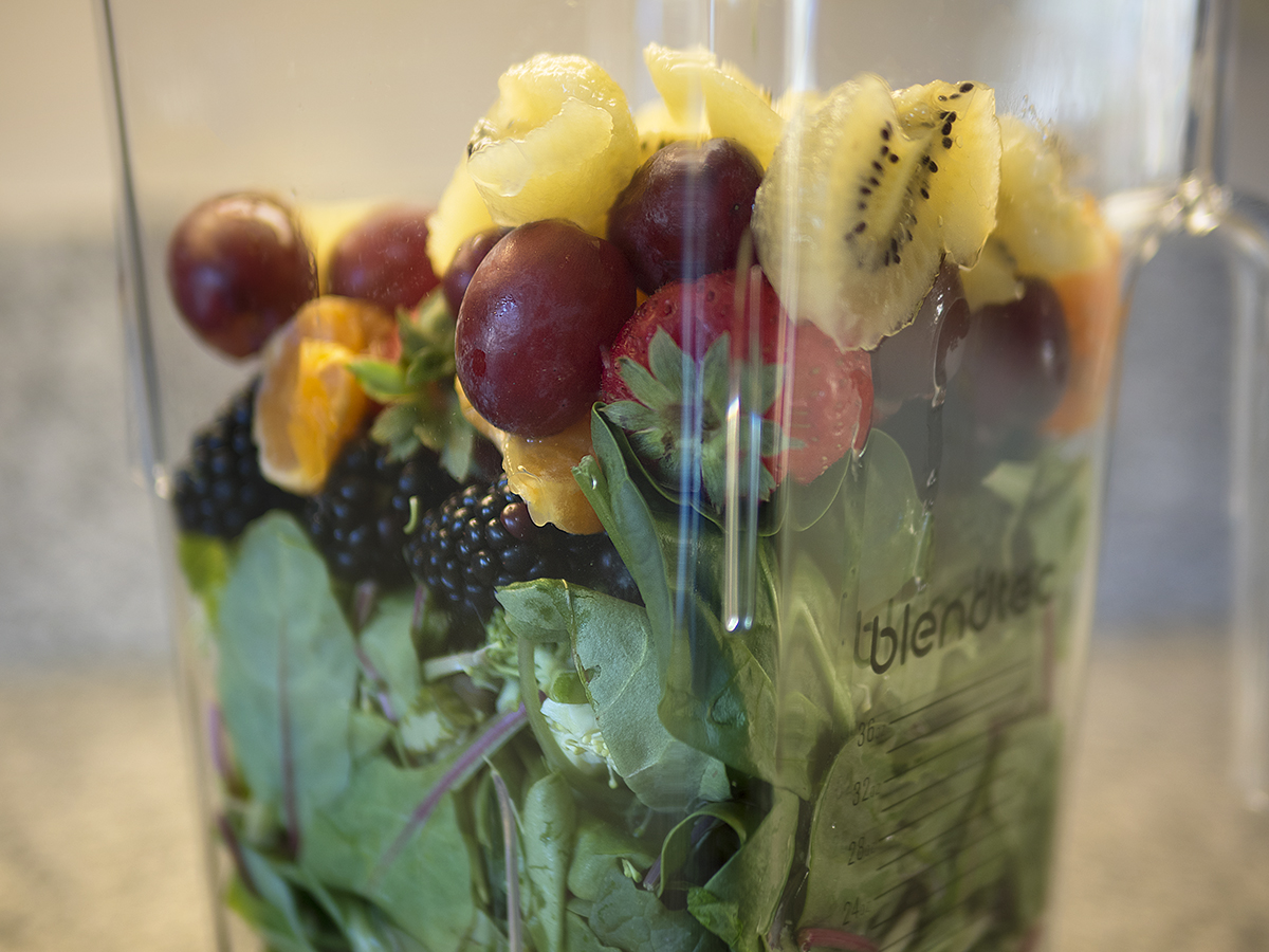 Blendtec, Blend Tec, blender, blender how to, step by step, blender instructions, fruits, grapes, blackberries, strawberries